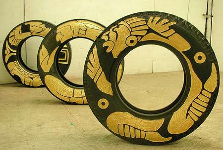 Резьба по автомобильным шинам – нормальное женское занятие для Бетсабе Ромеро (Betsabeé Romero) — фото 15