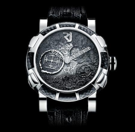 История на запястье – часы от Romain Jerome с ДНК вулкана, Титаника и Луны — фото 15