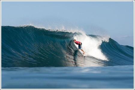 Декабрь – лучшее время для серфинга на Гавайях. Pipeline Masters – состязания серферов — фото 11