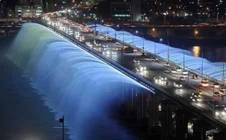 Самые необычные и красивые фонтаны. Но не все ))) — фото 5