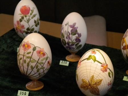 Вышивка по … яичной скорлупе. Ювелирная работа Элизабет Кляйн — фото 19