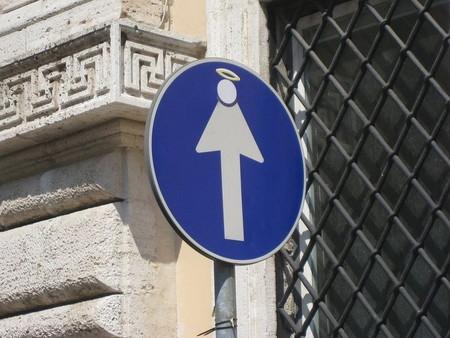 «Улучшенные» дорожные знаки от Клета Авраама — фото 10