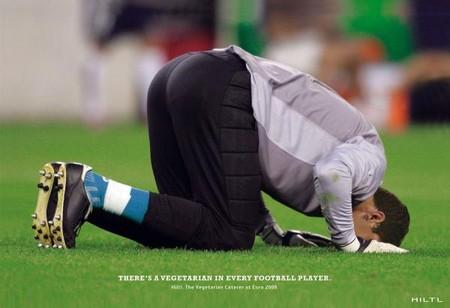 Вот уж не думала, что футбол – самый «зеленый» вид спорта)
