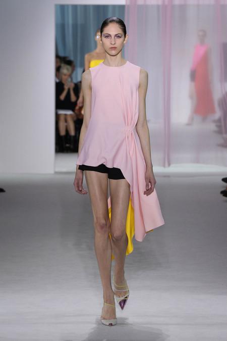 Женская коллекция Dior весна-лето 2013 — фото 33