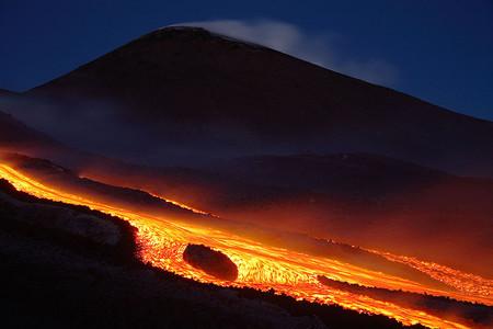 Вулканы – страсть фотографа Martin Rietze — фото 27