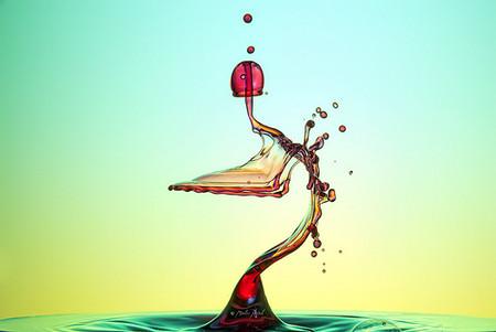 Скульптуры из … воды. Макрофотографии разноцветных капель — фото 27