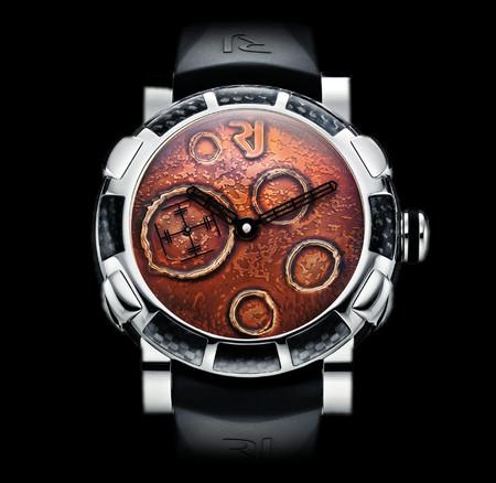 История на запястье – часы от Romain Jerome с ДНК вулкана, Титаника и Луны — фото 16