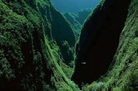 Ущелье Bras de Caverne на французском острове Реюньон в Индийском океане