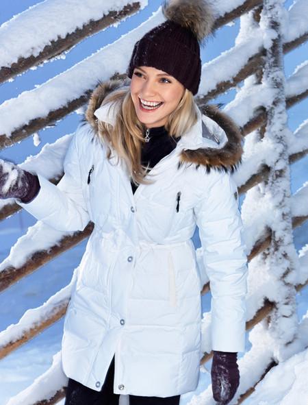 … или белой Снегурочкой