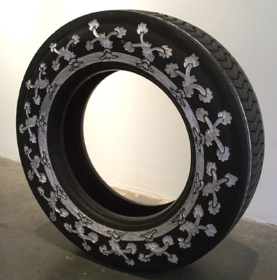 Резьба по автомобильным шинам – нормальное женское занятие для Бетсабе Ромеро (Betsabeé Romero) — фото 21
