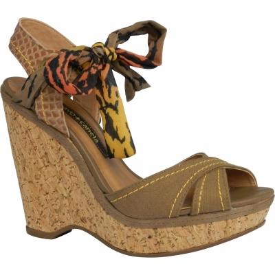 """И универсально, и стильно, и нарядно — из летней коллекции 2013 от Cravo &amp; &lt;a name=""""page-break""""&gt;&lt;/a&gt; Canela <em>модные бразильские туфли</em>"""