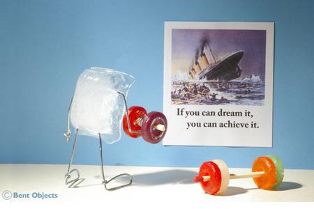"""Надпись на плакате: """"Если мечтаешь по-настоящему, стремись к исполнению мечты"""". Льдинке есть к чему стремиться )"""