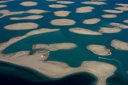 The world — мини-архипелаг из искусственных островов, Дубай, ОАЭ