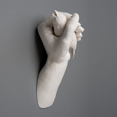 Живой фарфор и смерть в скульптурах Кейт МакДауэлл — фото 15