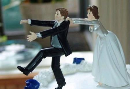 Отпразднуем … развод? Антисвадебные торты от Фэй Миллар — фото 11