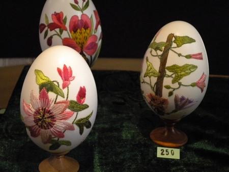 Вышивка по … яичной скорлупе. Ювелирная работа Элизабет Кляйн — фото 21