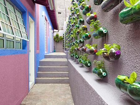 Вертикальные сады-огороды в бутылках — фото 4