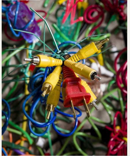 Яркие картины из кабелей от Федерико Урибе — фото 15