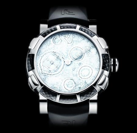 История на запястье – часы от Romain Jerome с ДНК вулкана, Титаника и Луны — фото 18