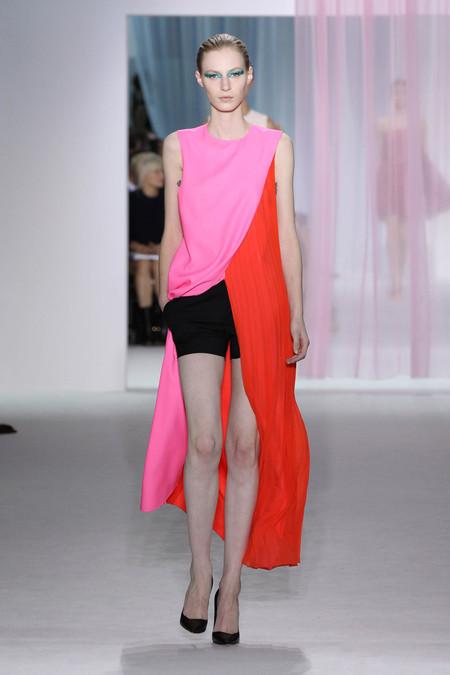 Женская коллекция Dior весна-лето 2013 — фото 34