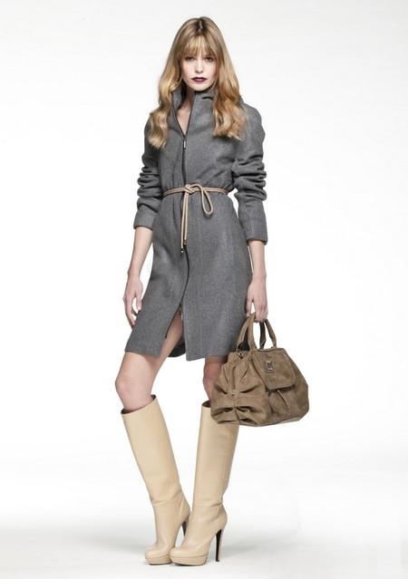 Тот же шнурок, но с пальто — мне нравится. Наверное, все дело в сапогах )