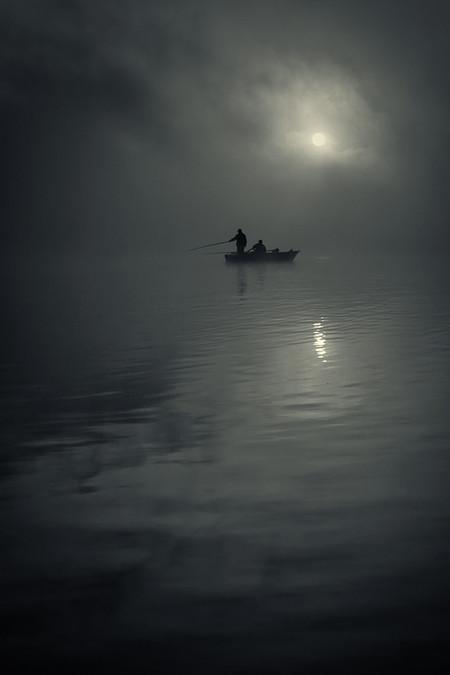 Туманные пейзажи на красивых снимках Богуслава Стремпеля — фото 12