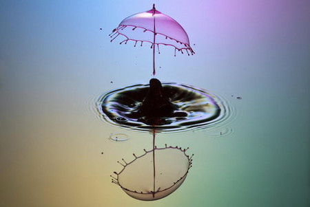 Скульптуры из … воды. Макрофотографии разноцветных капель — фото 11