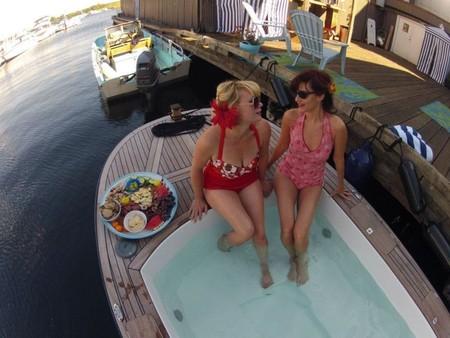 Лодки Hot Tub Boat – с теплым бассейном-джакузи и музыкой — фото 6