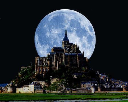 А так — при полной Луне ) с любого ракурса хорош
