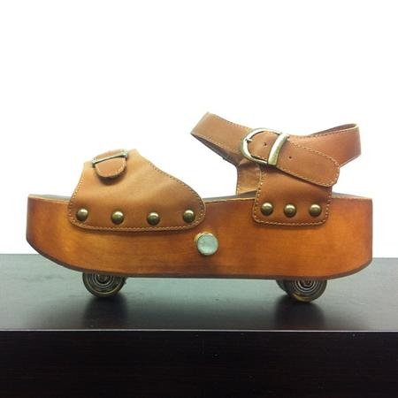 Босоножки на колесиках от Jeffrey Campbell — фото 9