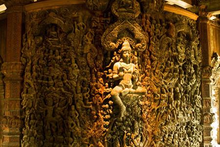 Храм Истины – настоящий деревянный шедевр — фото 17