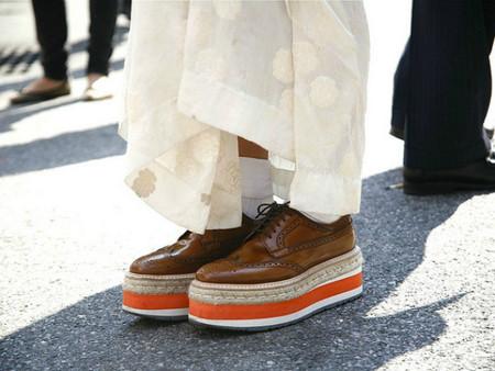 Флатформы, они же криперы, они же криперсы – еще один популярный обувной тренд — фото 47