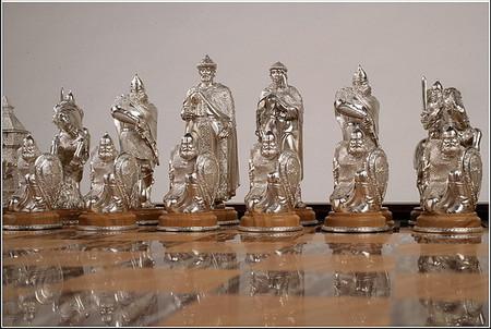Белые фигуры: Древняя Русь 14 в. Король — Великий князь Дмитрий Иванович (Донской)