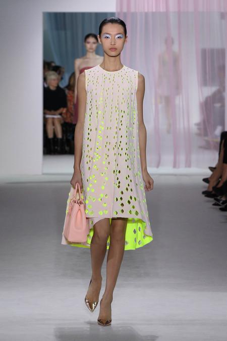 Женская коллекция Dior весна-лето 2013 — фото 35