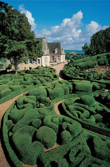 Живописные скульптурные сады замка Маркессак — фото 11