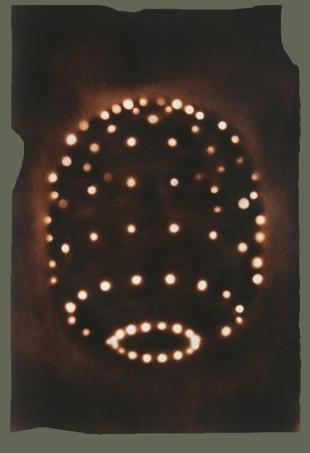 Темнота и пятна света — удачная игра контрастов