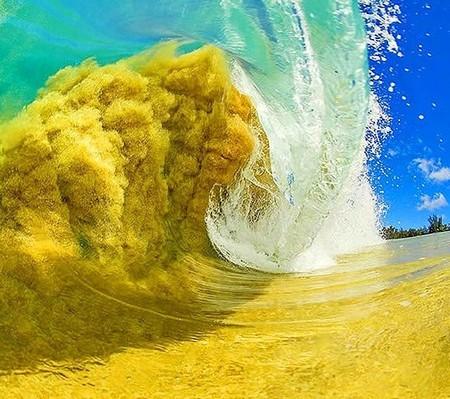 Шикарные гавайские волны