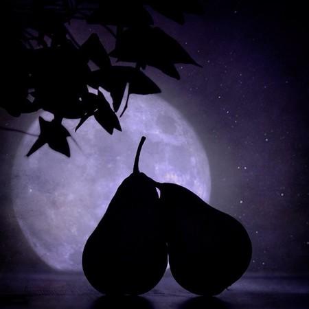 Любви все фрукты покорны )))