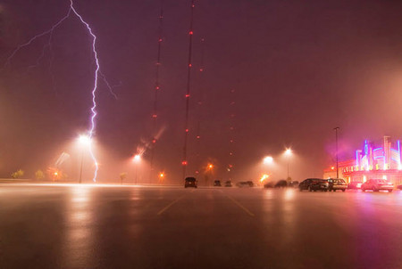 Торнадо, смерч, молнии, грозовые тучи – это красиво! Фотографии Майка Холлингшеда (Mike Hollingshead) — фото 7