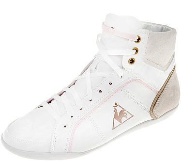 Изящные белые кроссовочки