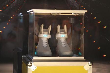 Кроссовки из будущего - 2011 NIKE MAG — фото 9