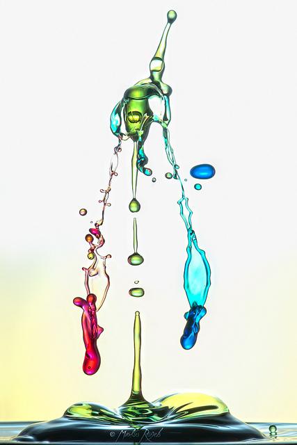 Скульптуры из … воды. Макрофотографии разноцветных капель — фото 23