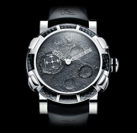 История на запястье – часы от Romain Jerome с ДНК вулкана, Титаника и Луны — фото 13