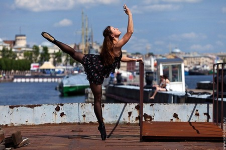 Дарья Дудник — балерина на Набережной Шмидта