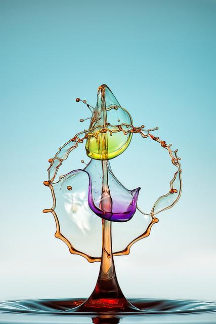 Скульптуры из … воды. Макрофотографии разноцветных капель — фото 35