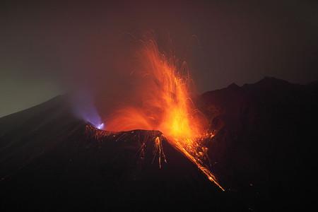 Вулканы – страсть фотографа Martin Rietze — фото 24
