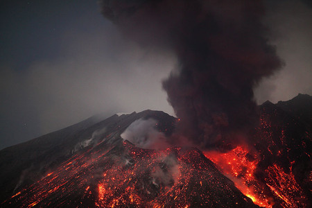 Вулканы – страсть фотографа Martin Rietze — фото 5