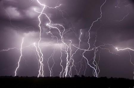 Торнадо, смерч, молнии, грозовые тучи – это красиво! Фотографии Майка Холлингшеда (Mike Hollingshead) — фото 19