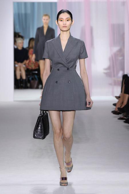 Женская коллекция Dior весна-лето 2013 — фото 14