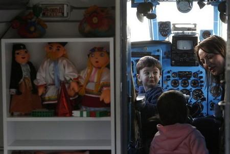 Не детский сад, а мечта! Во что превратился списанный ЯК-40 — фото 12